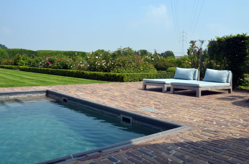 Aankleding terrassen rond zwembad meulebeke spherebox